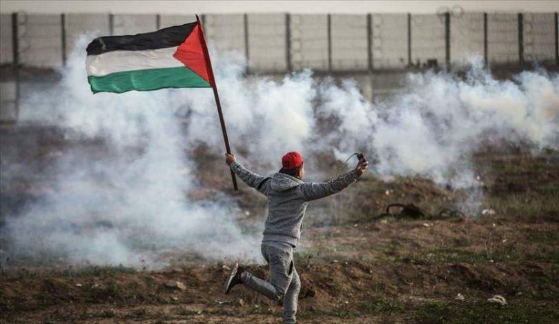 Striscia di Gaza, decine di manifestanti feriti e asfissiati dalle forze israeliane