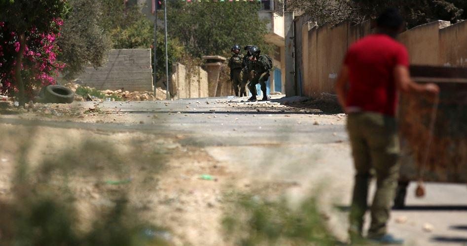 IOF feriscono 13 palestinesi durante manifestazione a Kafr Qaddum