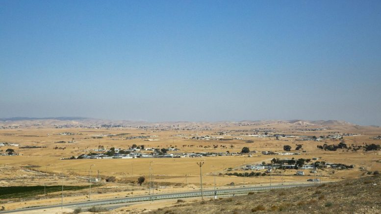 """""""Ci sposteranno, ma solo da morti"""": scontro fra Israele e i beduini nel Negev"""