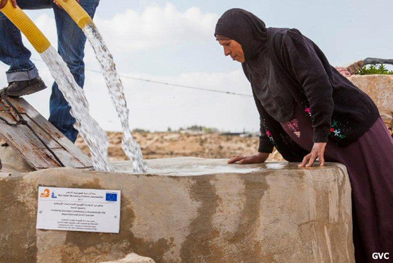 Le forze di occupazione israeliane distruggono pozzo palestinese