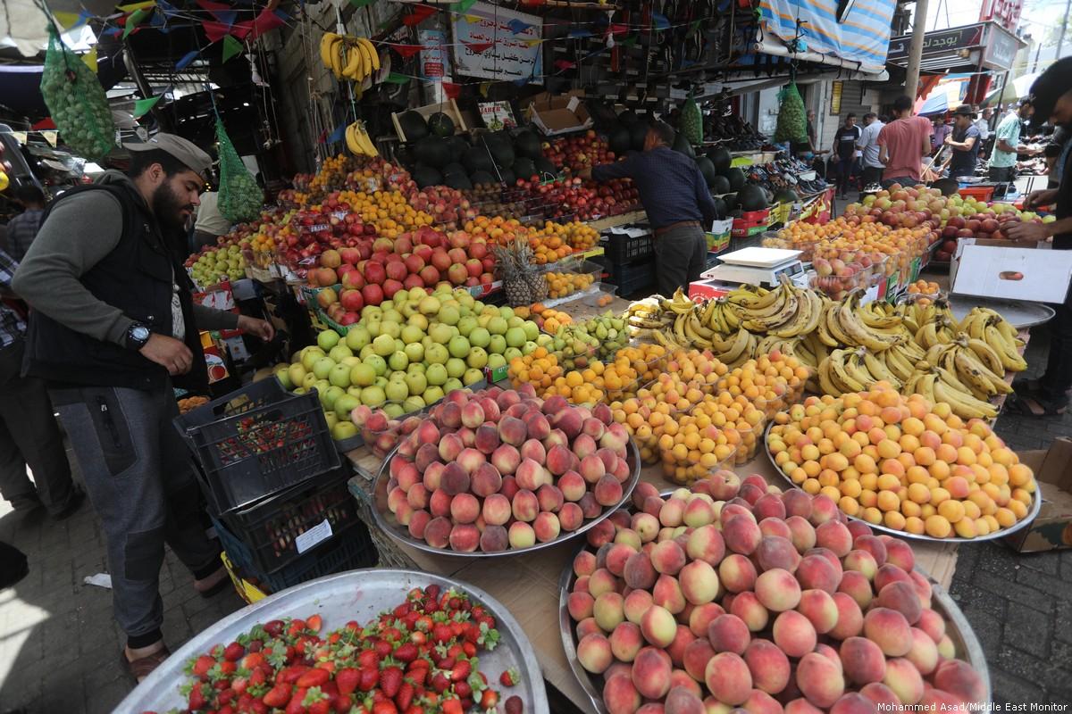 Israele vieta esportazione di prodotti agricoli palestinesi attraverso la Giordania