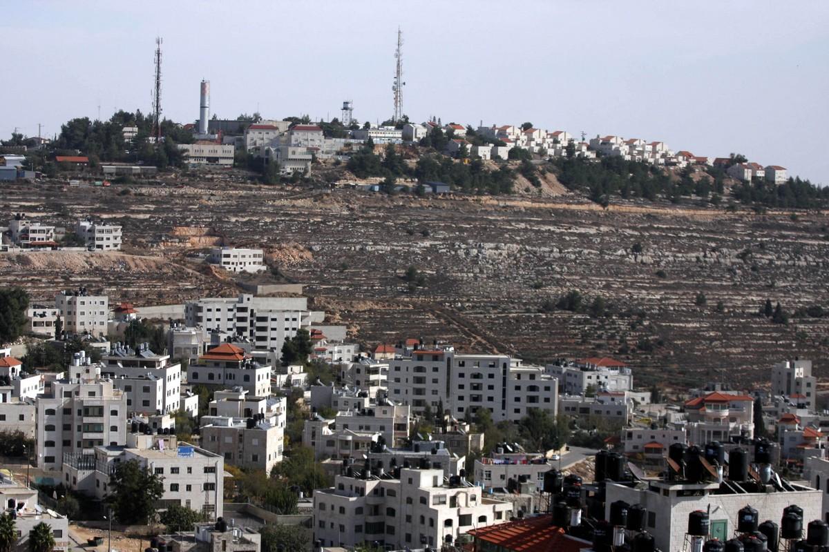 Bennett: Israele non cederà mai neanche un centimetro di terra agli arabi