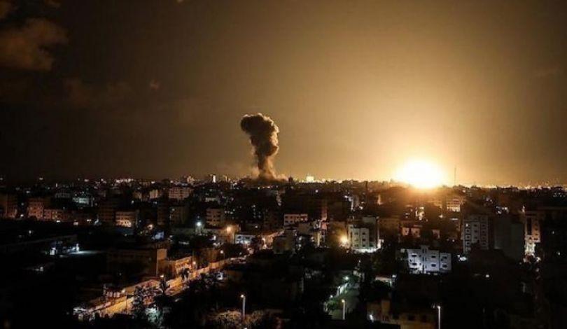 Bombardamenti israeliani contro postazioni della resistenza nella Striscia di Gaza
