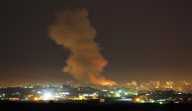 Bombardamenti israeliani contro la Striscia di Gaza. Diversi i feriti