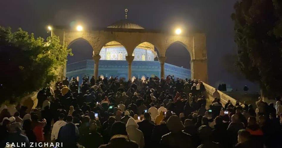 Gerusalemme, migliaia di Palestinesi pregano a al-Aqsa