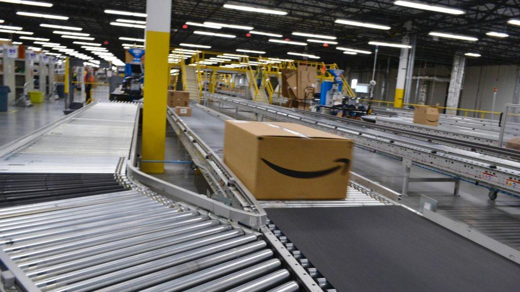 Amazon costringe i palestinesi a registrarsi come israeliani per la spedizione gratuita