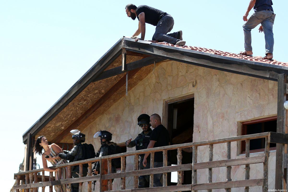 3 palestinesi ricevono ordini di demolizione e di interruzione dei lavori a Betlemme