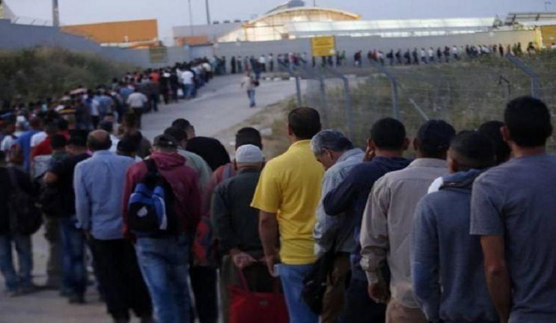 """""""Stiamo lavorando per garantire il ritorno di 35.000 lavoratori dai Territori interni occupati""""."""