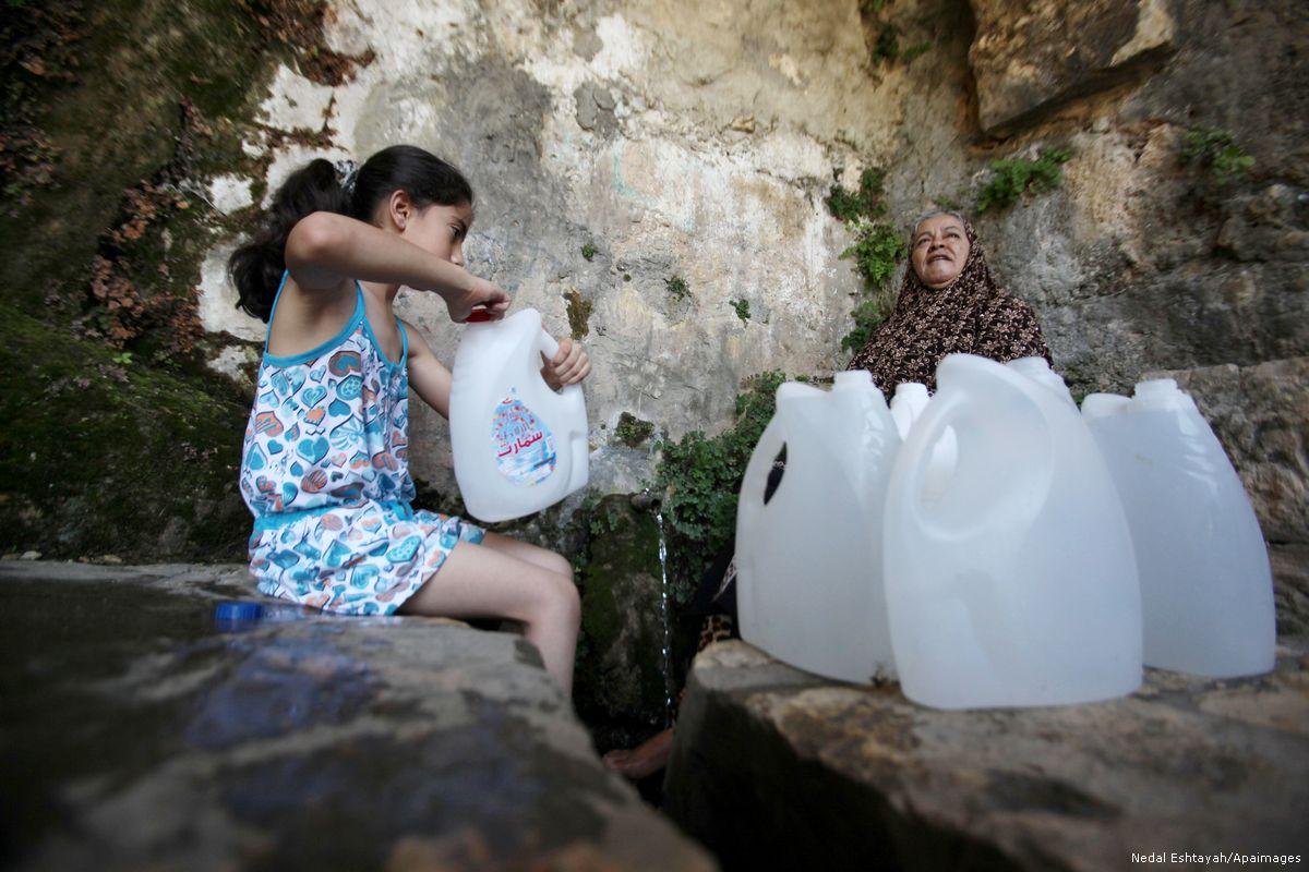Ogni palestinese consuma in media 87 litri di acqua al giorno