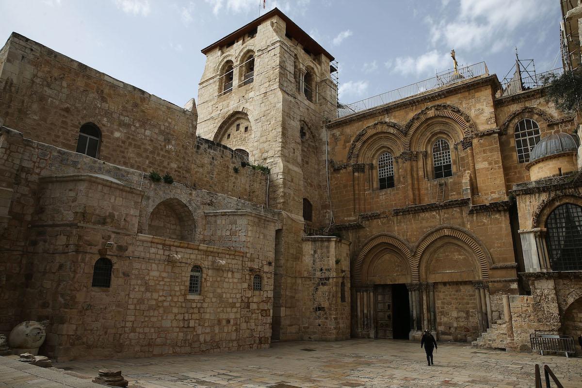 La Chiesa del Santo Sepolcro di Gerusalemme chiude per paura del coronavirus