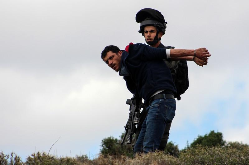 Gli ex primi ministri europei condannano il piano di Trump come apartheid
