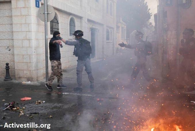 La polizia israeliana sfrutta le regole di isolamento dovute al coronavirus per reprimere i palestinesi a Giaffa