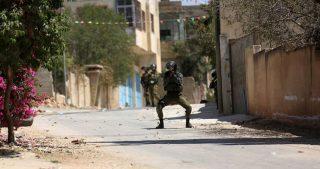 Tre palestinesi feriti durante dalle forze di occupazione in Cisgiordania