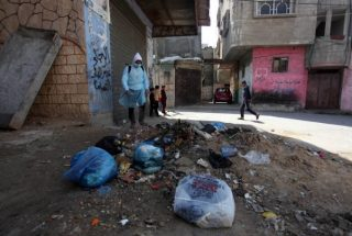 La municipalità di Gaza costretta a ridurre i servizi a causa del deficit di bilancio