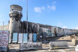 Palestinesi aggrediti a Hebron dalle IOF