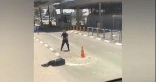 Giovane palestinese gravemente ferito dai soldati israeliani a Qalandiya