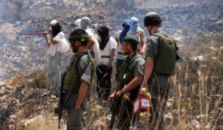 Due palestinesi feriti da coloni vicino a Ramallah