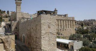 Bennett approva piano per la sottrazione di proprietà palestinesi a Hebron
