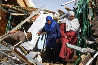 Israele ordina a palestinesi di demolire parte della loro casa a Gerusalemme