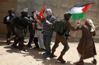 Israele reprime manifestazione per la celebrazione della Nakba e ferisce 5 palestinesi
