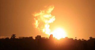 Bombardamento israeliano contro diverse località della Striscia di Gaza