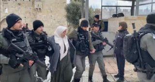 Polizia israeliana arresta madre palestinese e figlio a Gerusalemme