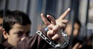 Tribunale israeliano condanna minorenne palestinese a 10 anni di carcere