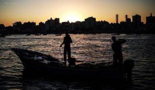 Sindacalista palestinese: l'occupazione attacca intenzionalmente i pescatori di Gaza in mare