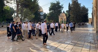 Rabbi Glick e 90 coloni invadono al-Aqsa