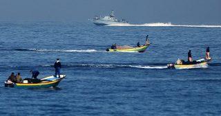 Marina israeliana rapisce quattro pescatori gazawi