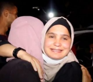 Israele rilascia giovane madre palestinese dopo 12 mesi di detenzione amministrativa