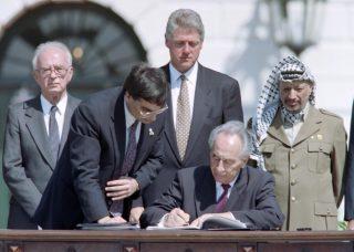 13 settembre 1993, Accordi di Oslo: la colonizzazione della Palestina subì un'accelerata