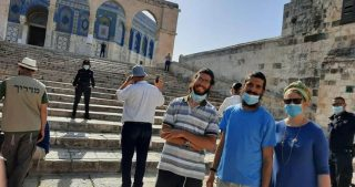 Coloni estremisti, guidati da Glick, invadono al-Aqsa