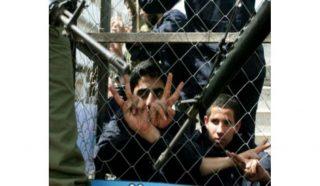 Report: ad agosto, 12 bambini tra i 297 palestinesi arrestati dalle IOF