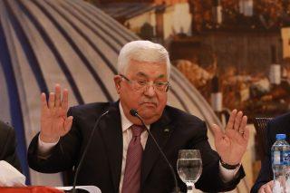 Pressioni su Abbas per parlare con gli Stati Uniti