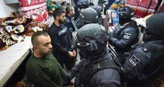 Forze israeliane aggrediscono detenuti palestinesi nel carcere di Eshel