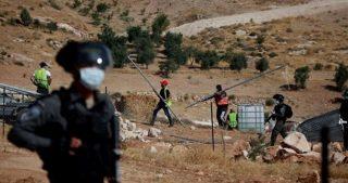 IOF demoliscono tenda nel villaggio palestinese di Beit Iksa