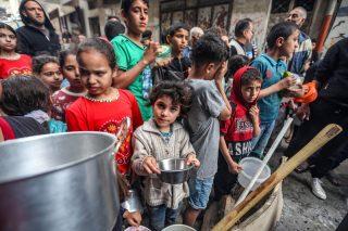 Inviato delle Nazioni Unite celebra gli accordi con Israele mentre Gaza muore di fame