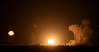 Attacchi aerei contro aree della Striscia di Gaza centrale