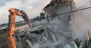 IOA demoliscono edificio in costruzione nel quartiere di at-Tur
