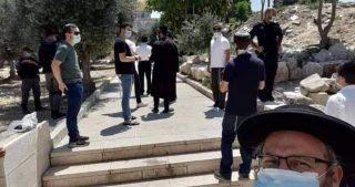 Coloni guidati da Etzion invadono al-Aqsa