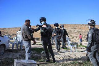 """Gruppi per i diritti umani: """"Le incursioni domiciliari israeliane contro palestinesi sono disumane"""""""