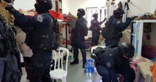 Irruzione delle forze israeliane nelle celle dei prigionieri palestinesi a Ashkelon