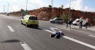 Giovane palestinese investito e ferito da colono israeliano