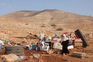 Coloni israeliani distruggono acquedotti ed alberi palestinesi vicino a Nablus