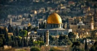 Polizia israeliana proibisce lavori di restauro ad al-Aqsa