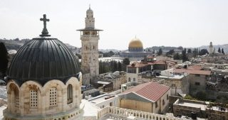 Theophilos vende ulteriori proprietà della Chiesa ortodossa per progetti coloniali