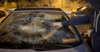 Coloni bloccano strada e attaccano auto palestinesi a Gerusalemme
