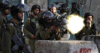 Le forze israeliane aprono il fuoco contro un veicolo palestinese a Jenin