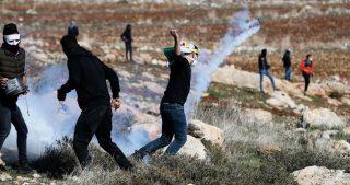 Scontri tra IOF e palestinesi dopo il funerale di ex-detenuto